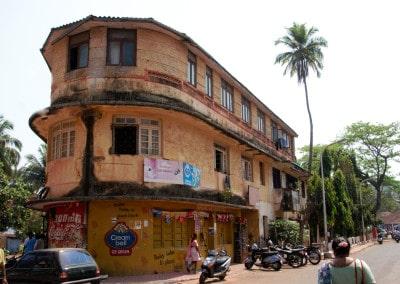 Un bien joli petit immeuble ancien à Goa