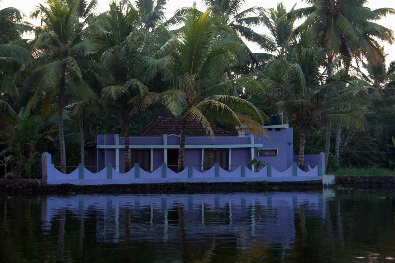 La maison bleue sur l'eau (backwaters Allepey