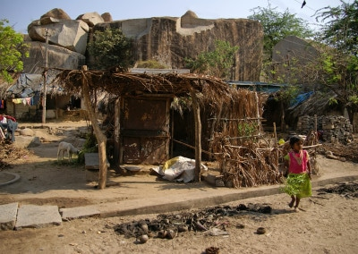 le toit de palme dans un village aux environs de Hampi