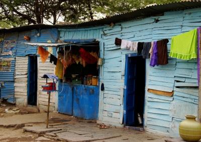 Nous revenons au bleu, la couleur préférée des habitants des maisons de Bijapur (Karnataka)