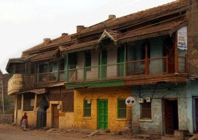 Toujours ces magnifiques couleurs de façades à Bijapur (Karnataka)