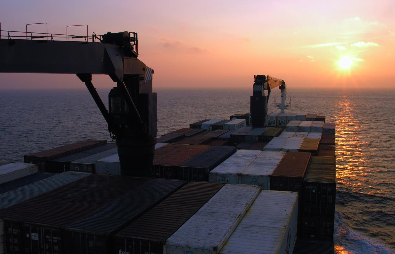 coucher de soleil en pleine traversée de l'Océan Atlantique entre La France et la Guadeloupe