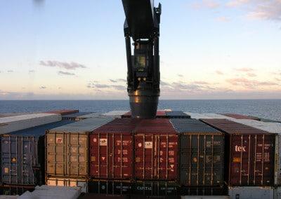 Navigation en fin de journée, à bord du cargo Fort Saint Pierre