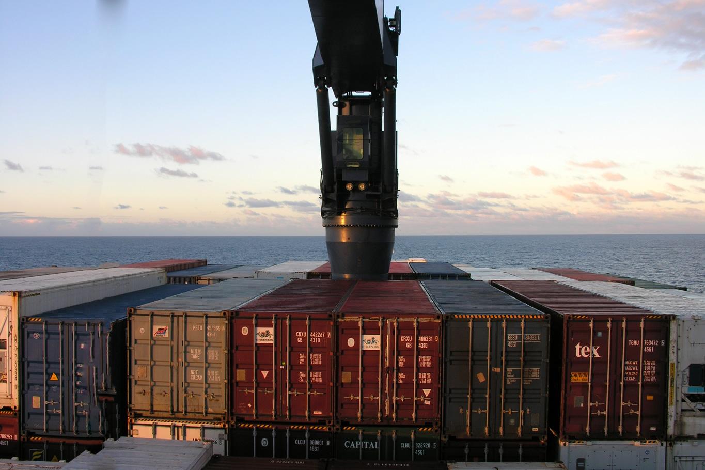 Navigation en fin de journée, à bord du Fort Saint Pierre