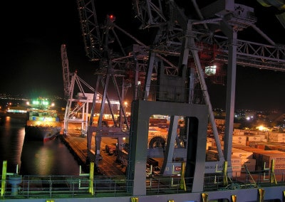 Le port de Fort de France en pleine activité nocturne