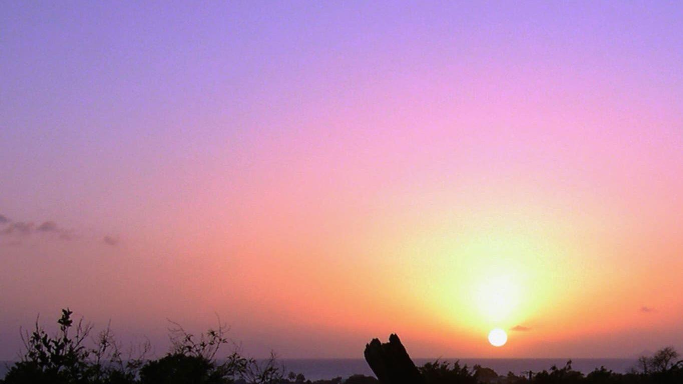 coucher de soleil à l'anse à la barque