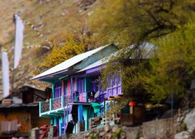 les superbes couleurs d'une maison à Sangla (Himachal Pradesh)