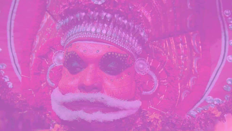 Le maquillage de chaque Theyyam varie selon le rôle et le mythe