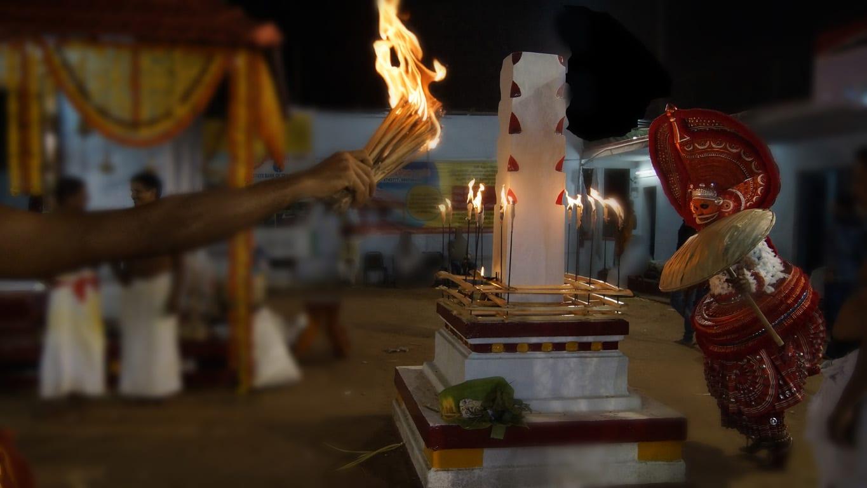Kathivanoor veeran rituel du theyyam - Kannur - Malabar