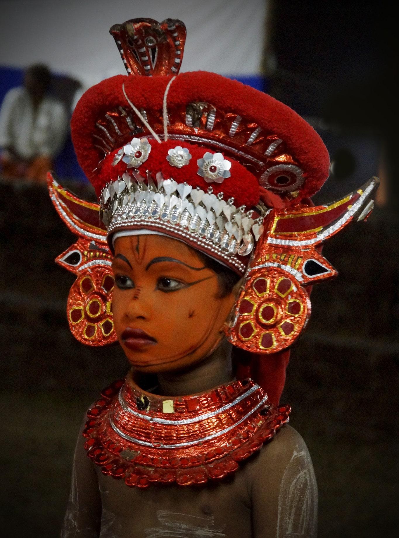 Rituel du theyyam - enfant - Kannur - Malabar