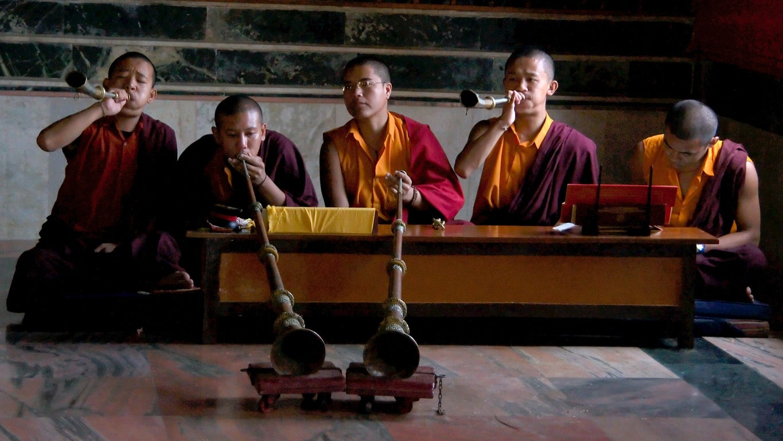 lama musiciens Monastère de Namdroling Bylakuppe Kushalnagar Karnataka