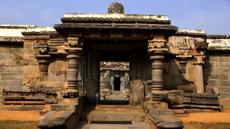 porche d'entrée temple Sri Channakeshara hoysala somnathpur Mysore