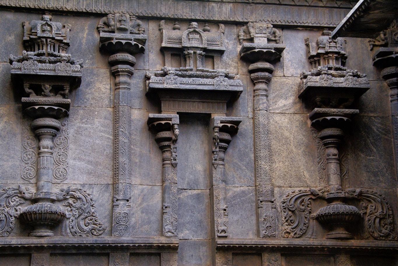 Un mur en bas relief temple de Vellore