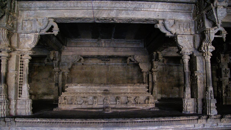 autel intérieur temple de Vellore