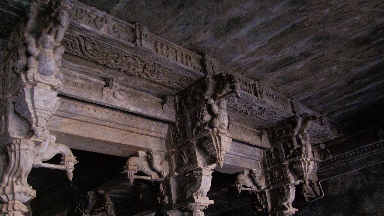 Chapiteau sculpté au temple de Vellore